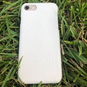 White Croc iPhone 7/8 case